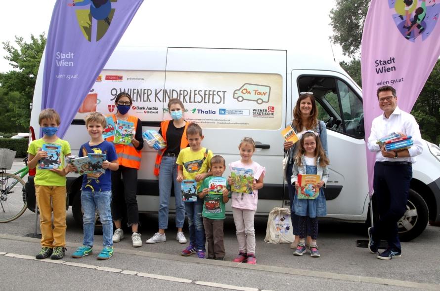Die Wiener Kinderlesefest-Bädertour fördert Spaß am Lesen